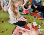 Przedszkolaki wiedzą  jak dbać o   zdrowie i odporność oraz jak należy postępować podczas przeziębienia i choroby.