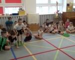 Dzień bez zabawek na sportowo grupa Promyki